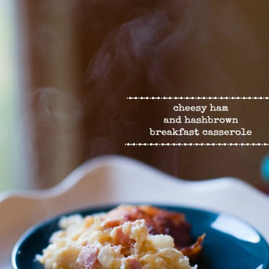 cheesy ham and hashbrown breakfast casserole