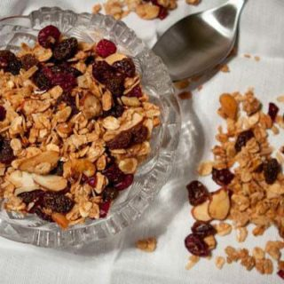 Homemade Granola with Coconut Oil