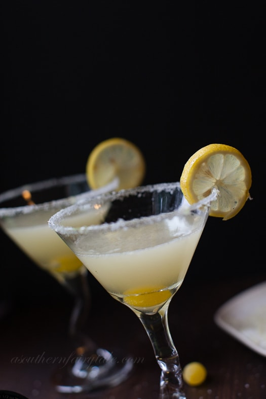 Easy and delicious lemon drop martini recipe | A Southern Fairytale