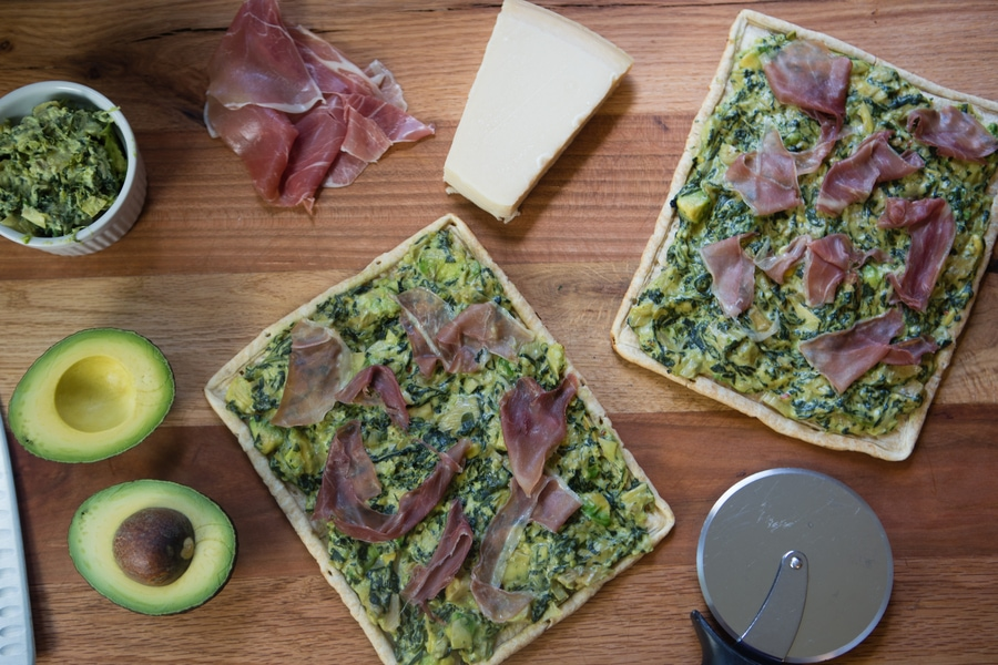Spinach and Artichoke Dip Grilled Pizza