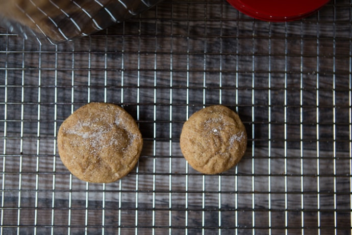 rolled and pressed snickerdoodles versus rolled and non-pressed snickerdoodles