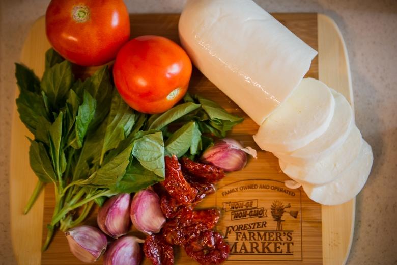 stuffed caprese skillet chicken ingredients