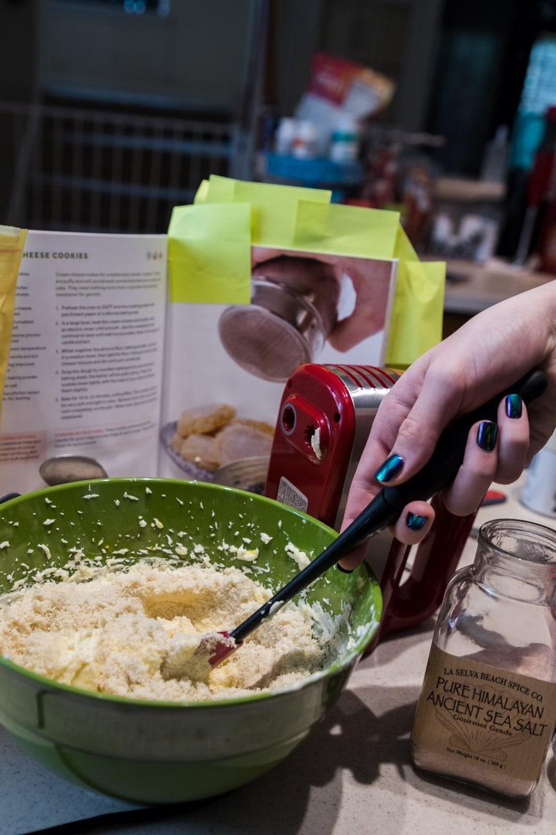 cream cheese keto cookies